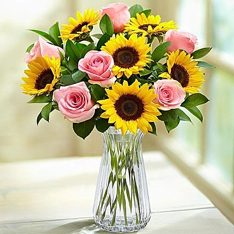 Sunflower with pink roses bouquet
